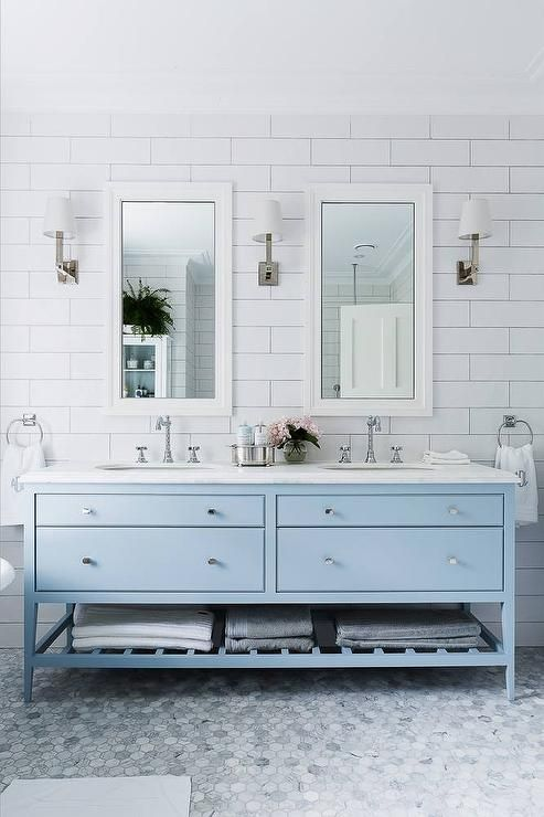 Reformar Un Baño Pequeno:White Bathroom Vanity with Gray Blue