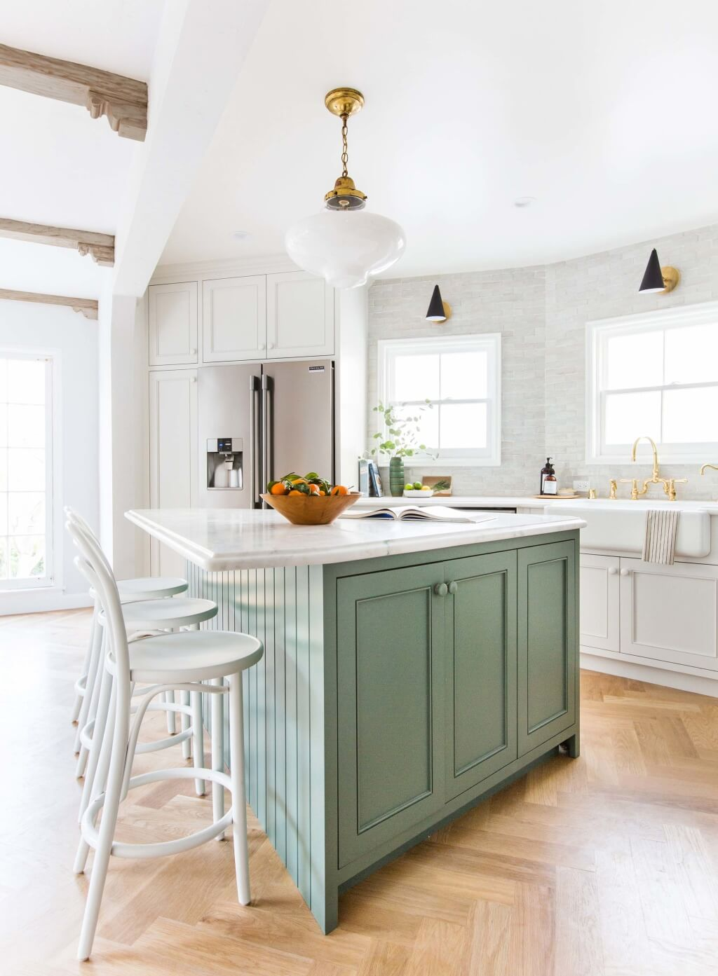 Emily-Henderson_Frigidaire_Kitchen-Reveal_Waverly_English-Modern_Edited-Beams_18-1024x1393