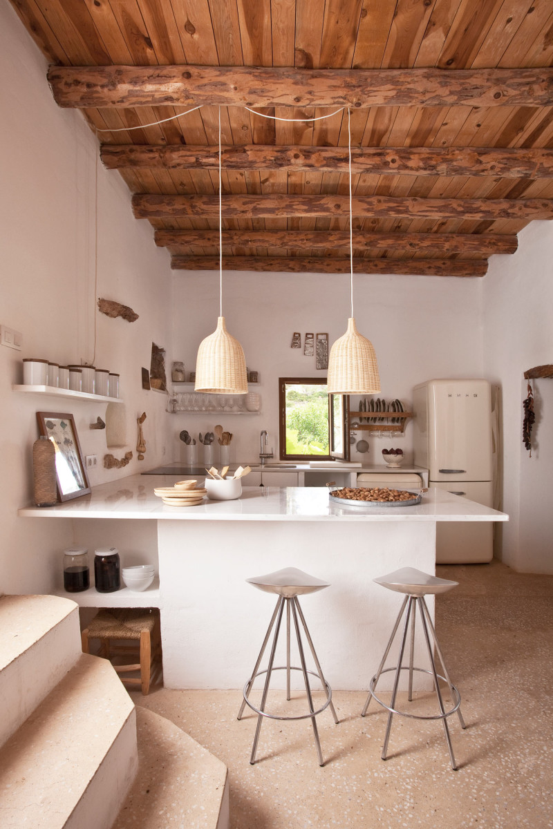 Una casa de verano en ibiza con decoraci n r stica natural for Decoracion casas rusticas