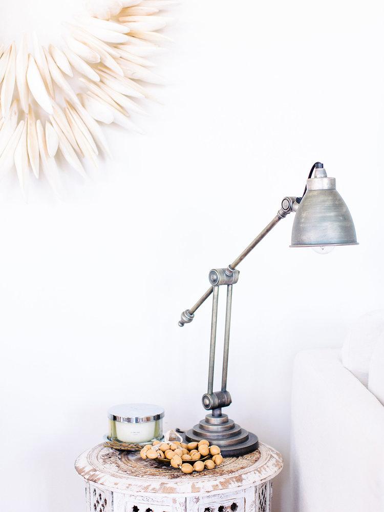 Consejos-decorar-con-fibras-naturales-mesa-auxiliar-03