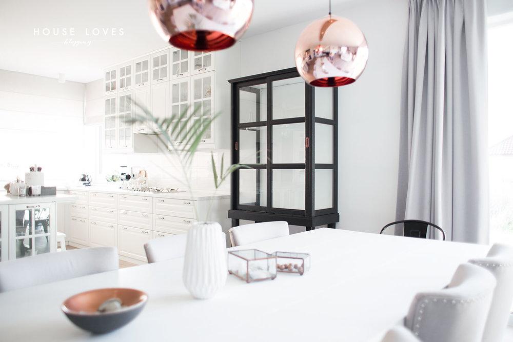 5_Ikea_Hacks_renovar_tu_cocina_diseño_vitrina_idea_inspiración-01